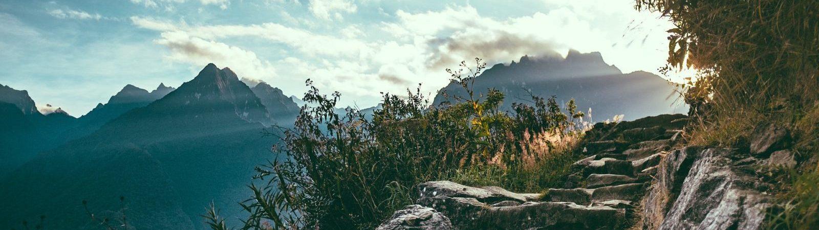 chemin montagnes